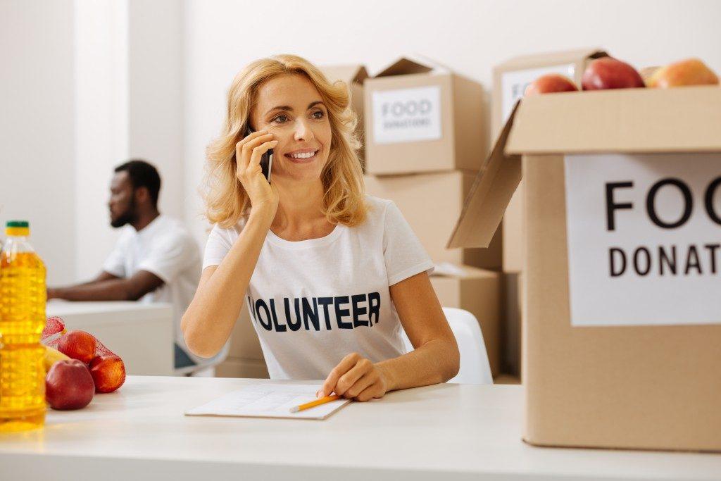 donation volunteers