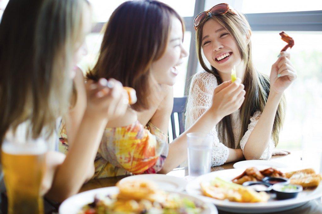 Women in a lunch date